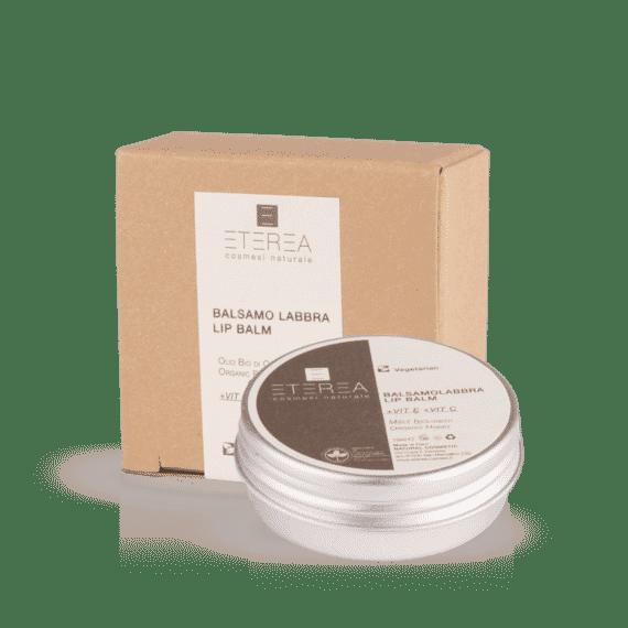 Il Balsamo Labbra di Eterea è un preparato a effetto ultra nutriente e rigenerante utile per combattere secchezza e screpolature.